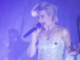 Robyn kicks off tour with heavenly dance party in Hollywood
